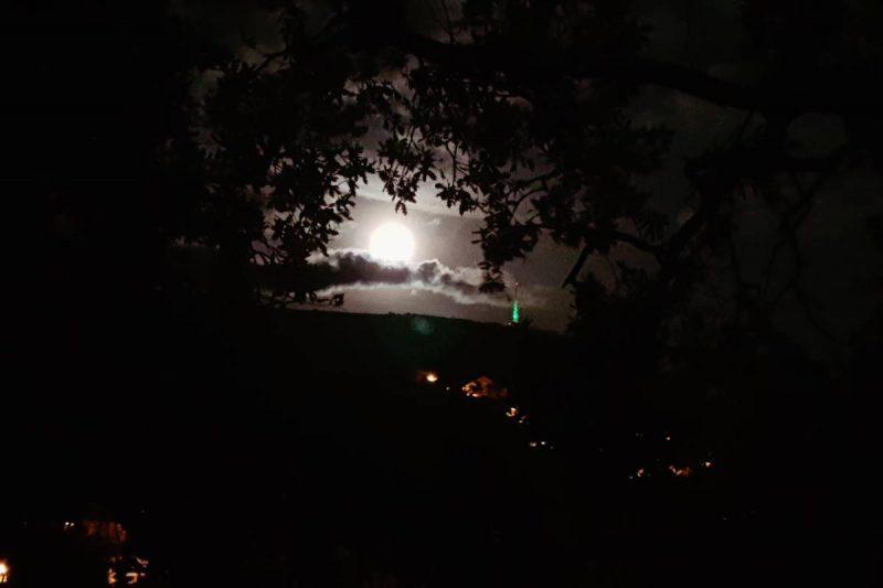 Tko može uhvatiti ljepotu čarobnog 'Supermjeseca'?