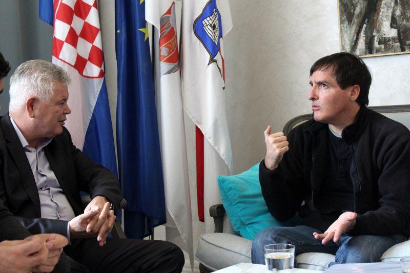 CILJ KUPITI OTOK Vlahušić se sastao s vlasnicima Dakse