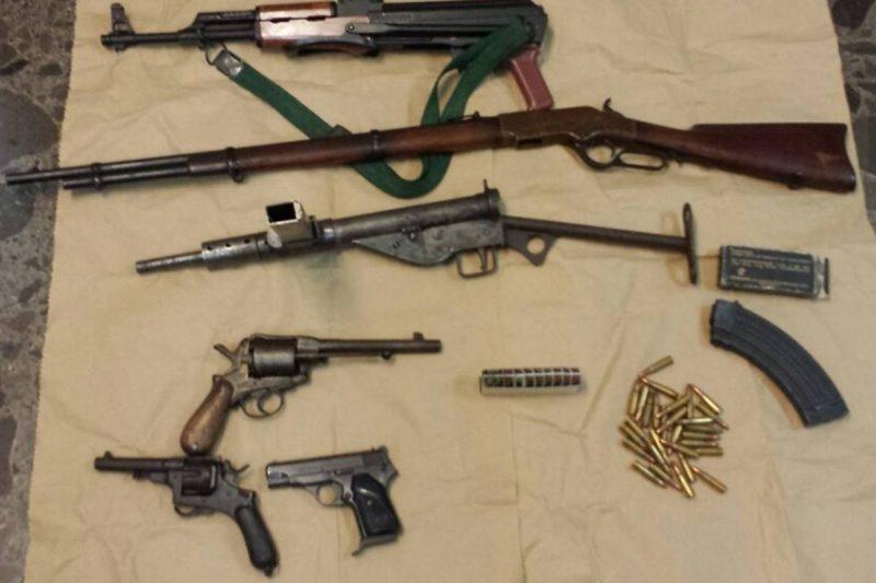 PRAVI ARSENAL Dubrovčanin u kući držao nevjerojatnu 'kolekciju' oružja