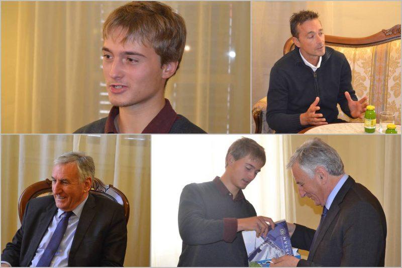 Državni prvak u jedrenju Orsanovac Alec Cvinar kod župana Dobroslavića
