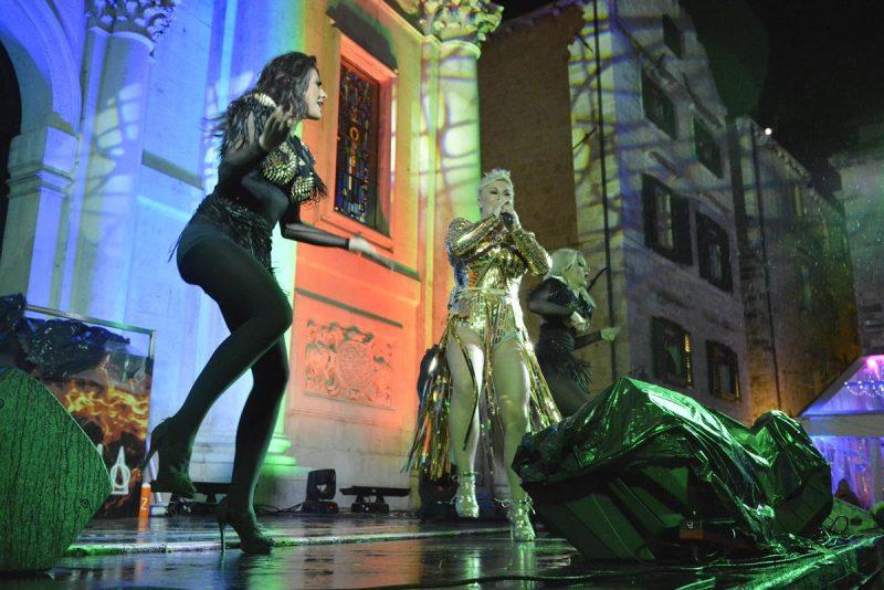 FOTOGALERIJA / COLONIA NA STRADUNU Kad se pleše, ni kiša ne smeta!