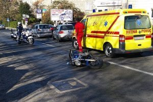 FOTO/PROMETNA POD DUBOM Sudar automobila i motocikla
