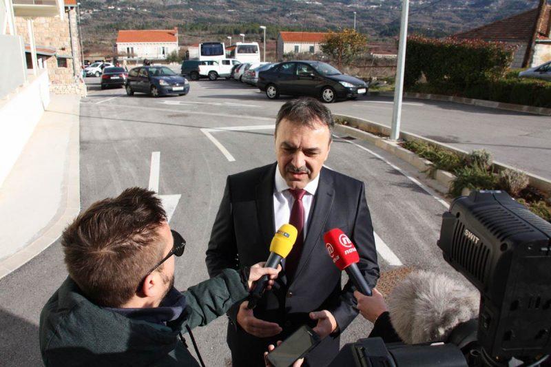 FOTO Ministar Orepić u Konavlima: Nema naznaka mogućeg napada na dočecima, a pripremit ćemo se na gužve na granicama
