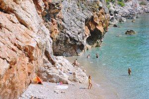Konavoski HDZ usvojio 'dohranu' plaže Pasjača, Luka Korda i dio oporbe bili protiv
