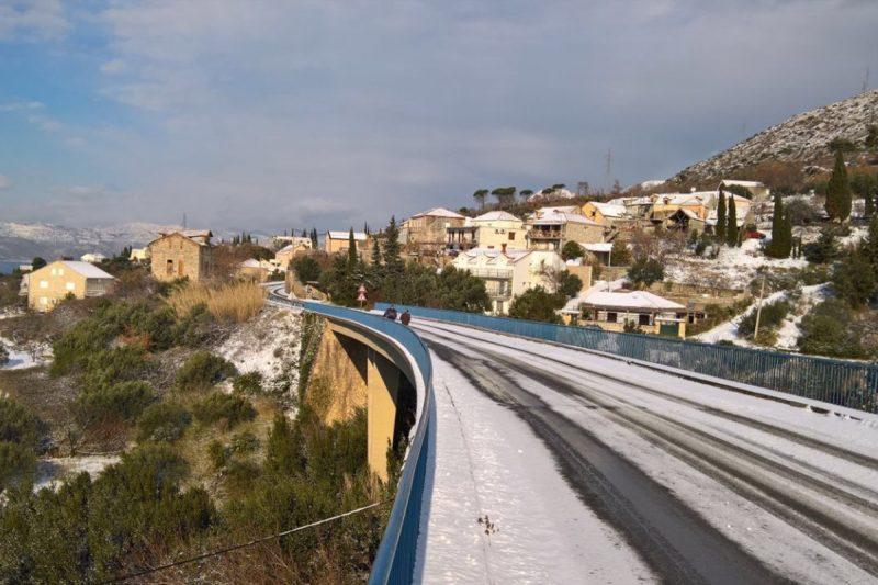 OPREZ Zimski uvjeti i dalje na snazi, između Orašca i Zatona ima ugaženog snijega i leda!