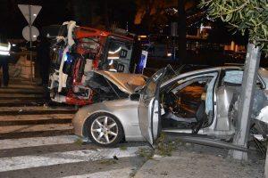 U stravičnoj nesreći nastradao 20-godišnji suvozač iz Mercedesa, životno je ugrožen, ali stabilan