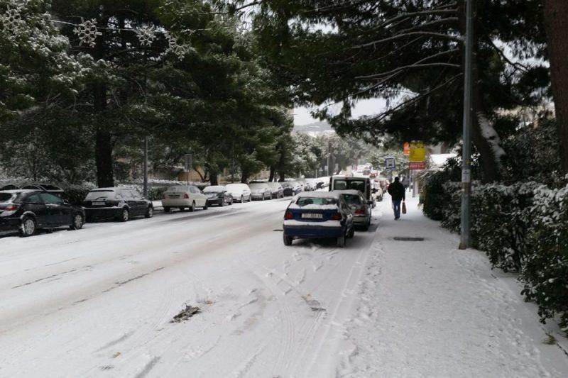 FOTO/VIDEO Ovako izgleda vožnja po sniježnim cestama Libertasovim 'oldtimerom'