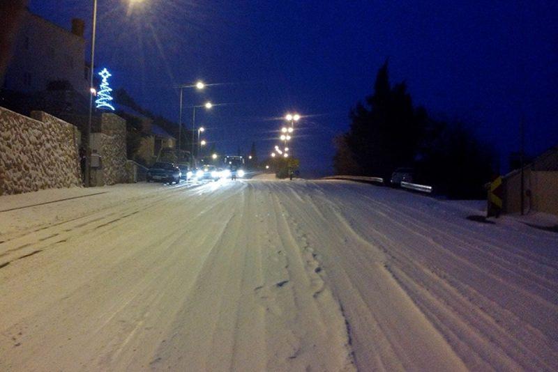 Dubrovnik i okolicu zabijelio snijeg, ne izlazite na ceste bez zimske opreme!