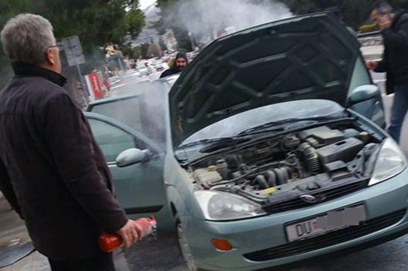 PLANUO AUTOMOBIL NA VOJNOVIĆU Požar ugašen brzom reakcijom sugrađana