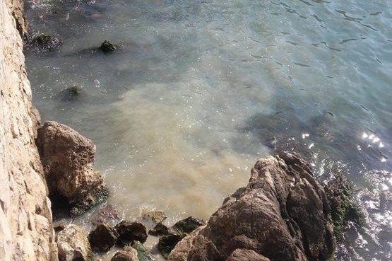 FOTO U Uvali Lapad fekalije istječu u more