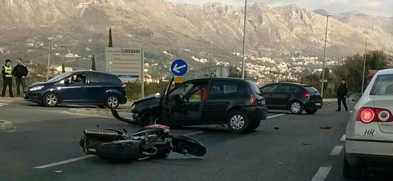 PROMETNA U ŽUPI Sudar auta i motocikla, jedna osoba ozlijeđena