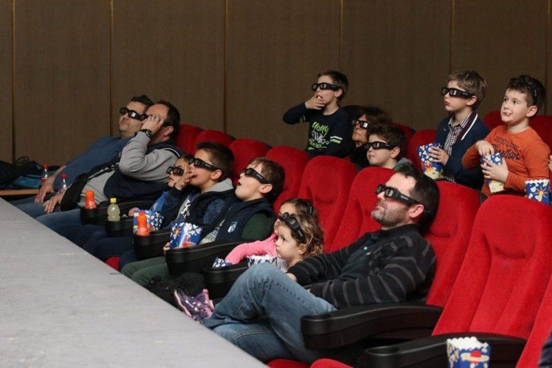 USUSRET DANU OČEVA Druženje roditelja i djece u kinu