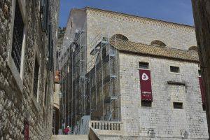Na Dominikance stavljene skele, obnova u tijeku