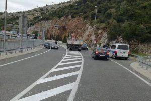 PROMETNA NESREĆA Sudar teretnog vozila i automobila na Mostu