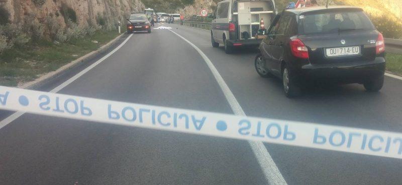Policija moli građane za pomoć: Biciklista je usmrtio crveni kamion makarskih tabli, ako išta znate javite se na 192