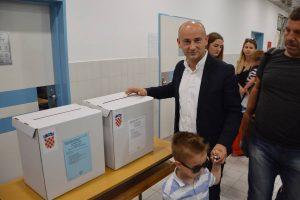 Valentin Dujmović glasovao u DOC-u