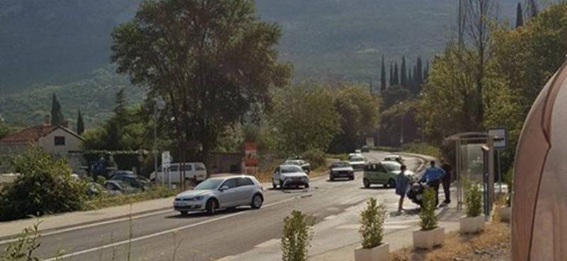 KOMOLAC Sudar dva osobna vozila, nema ozlijeđenih