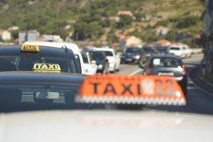 'Za blokade prometnica oduzimati vozačke dozvole i kazniti do 7000 kuna'