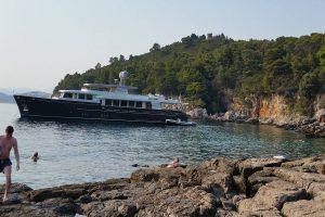 FOTO 'Brodovi nam se sidre na obalu, ma tko uopće to kontrolira?!'