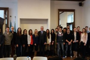 BRUXELLES Mladi na programu prakse u uredu DNŽ