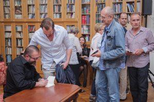'DAN KAD JE UMRO PRIJATELJ' IVA OREŠKOVIĆA 'Ovakva knjiga se rijetko događa'