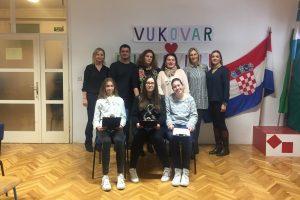OŠ LAPAD Učenici sudjelovali u hvalevrijednom projektu 'Sat povijesti iz Vukovara'