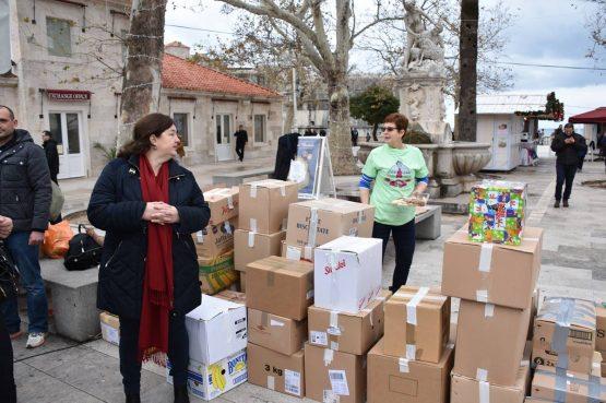 FOTO Dubrovnik dijeli radost Božića sa žiteljima Ogulina