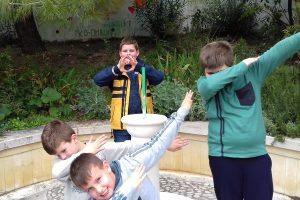 Eko Omblići dobili novu kamenu fontanu