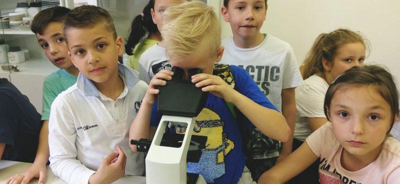 16. FESTIVAL ZNANOSTI Dječica uživala u 'gledanju nevidljivog'