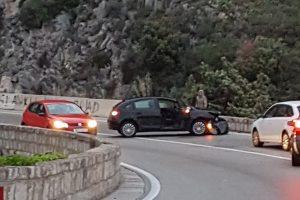 PROMETNA U ŠTIKOVICI Automobil se zabio u zid