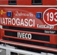 POŽAR U ANTUNINSKOJ Građani vatrogasnim aparatom ugasili rashladnu vitrinu