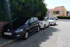 OPASAN ULAZ U ČOKOLINO 'Glave u torbi' zbog parkiranih auta