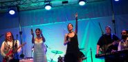 FOTO Rasplesana i raspjevana publika uz ABBA-ine hitove!