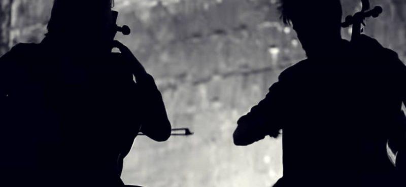VIDEO 2CELLOS predstavlja 'Let There Be Cello' mističnim spotom 'Vivaldi Storm'