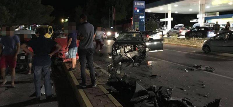 Sudar dva automobila kraj pumpe u Čilipima