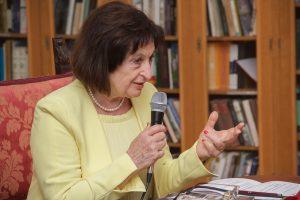 ROMAN 'DOŽIVLJAJI KARLA MALOG' Za sreću ne treba više 'doli ljubavi, ljepote, mora i neba'