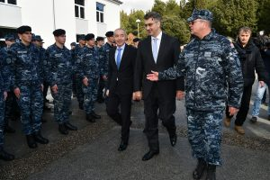 OD STRATEŠKE VAŽNOSTI Plenković obišao vojarnu '116. brigade HV' u Pločama