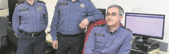 POLICIJSKI OPERATIVNO-KOMUNIKACIJSKI CENTAR Južina je 'kriva' za većinu bespotrebnih poziva
