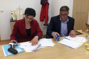 VRIJEDAN 1.2 MILIJUNA KUNA Potpisan Ugovor za izradu projekta nove luke na Korčuli