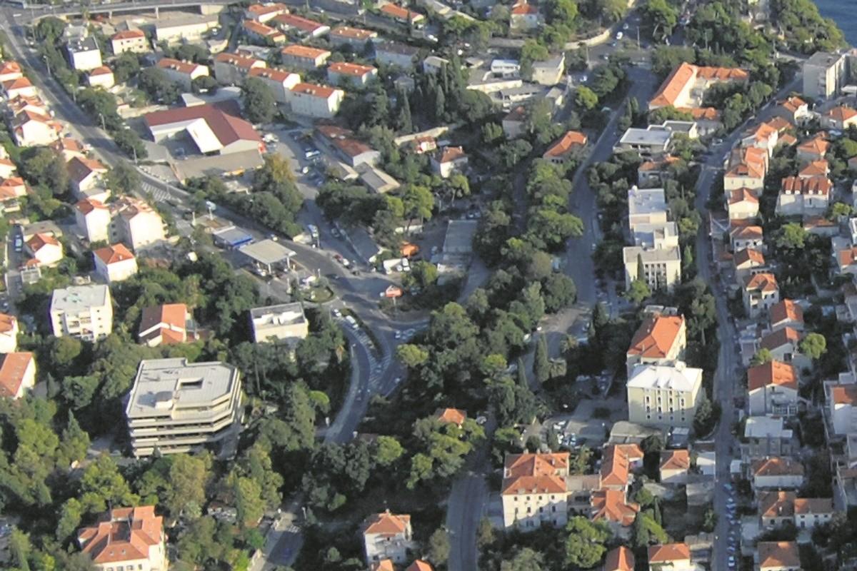 NA ZEMLJIŠTU ZAKLADE MIHANOVIĆ Braća Slezak zatražila dozvolu za zgradu od 12 etaža